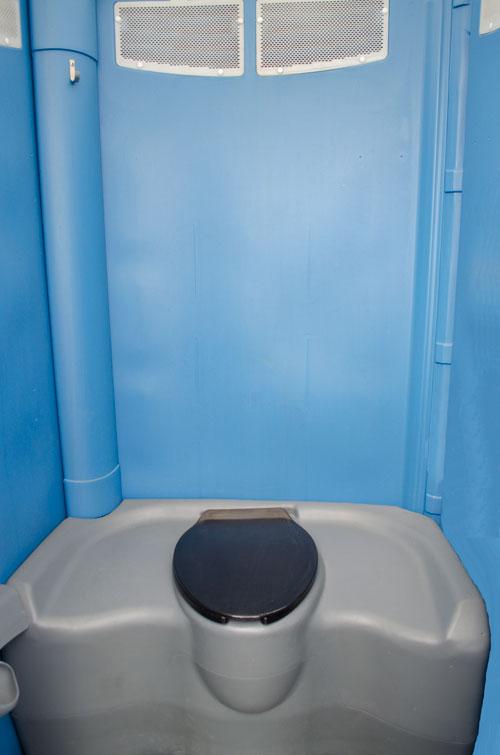 KemperMidwest Maxim 3000 Portable Pottyhouse Rental
